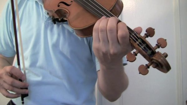 Should the pulse of the vibrato movement moving towards myself or away from myself?